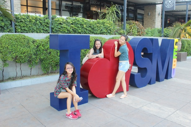 SM City Cebu with these girls.